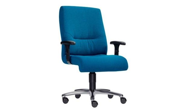 ergonomisch- bürostühle-drehstuhl-in-blauer-farbe