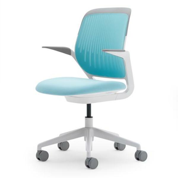 ergonomischer-Drehstuhl-deisgn-idee-hellblaue-farbe