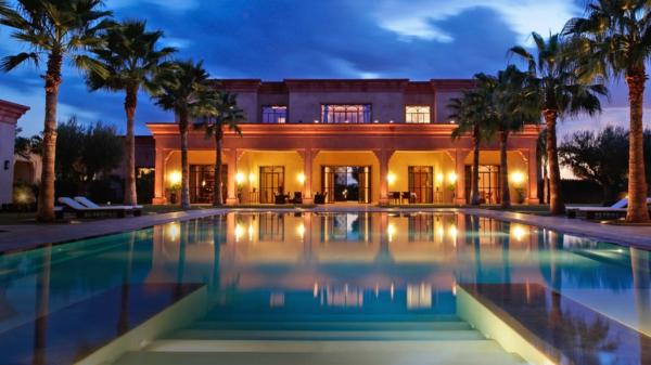erstaunliche-luxus-häuser-mit-pool-für-einen-unvergesslichen-urlaub-