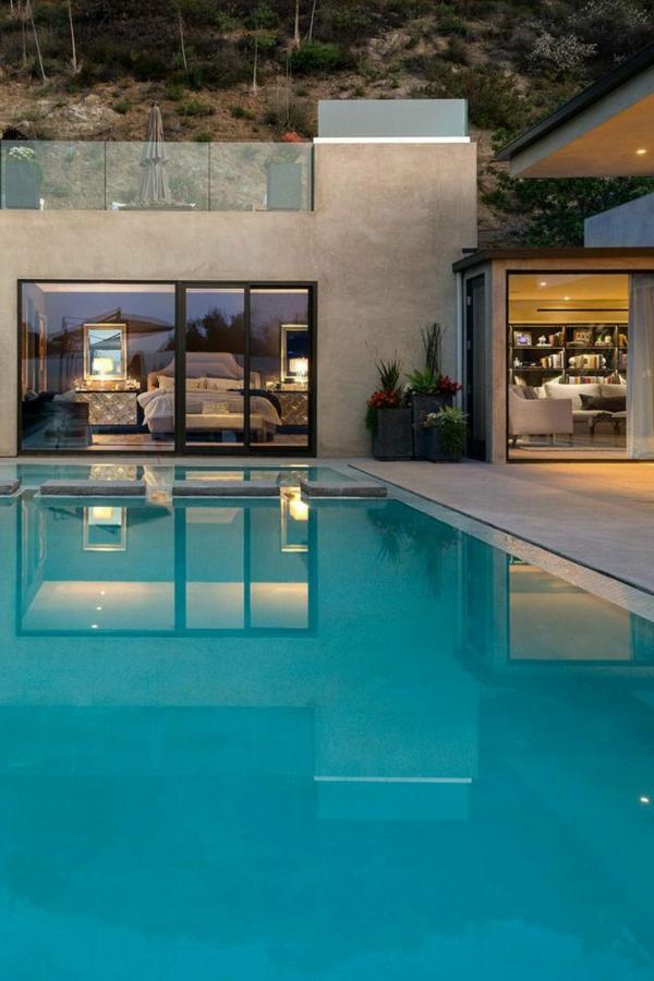 erstaunliche--luxus-häuser-mit-pool-für-einen-unvergesslichen-urlaub