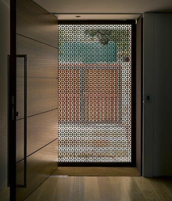 fantastische-eingangstür-mit-einem-modernen-design