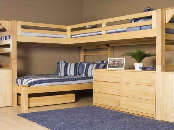 funktionelle-Kinderzimmermöbel-Hochbett-mit-einem-Schreibtisch