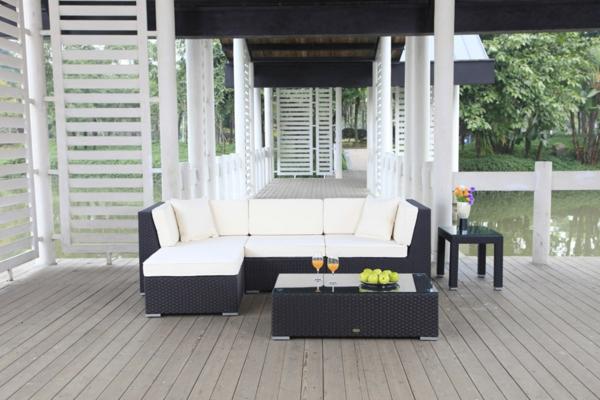 garten-loungemöbel-rattansofa-und-kaffeetisch-in-weiß-und-schwarz