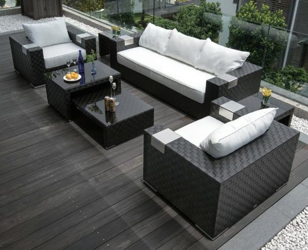 garten-loungemöbel-sofas-und-kafeetische