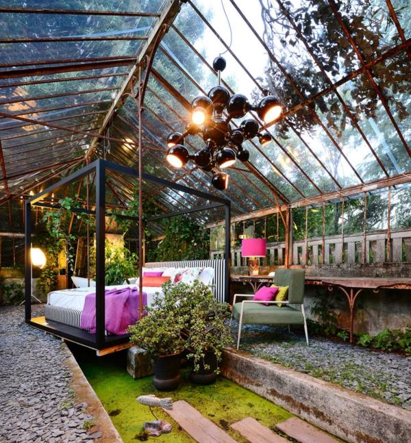 wintergarten-bett-schlafzimmer-schick-beleuchtet-edel