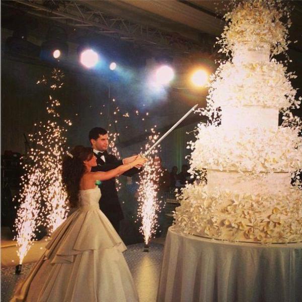 Big Beautiful Wedding Cakes