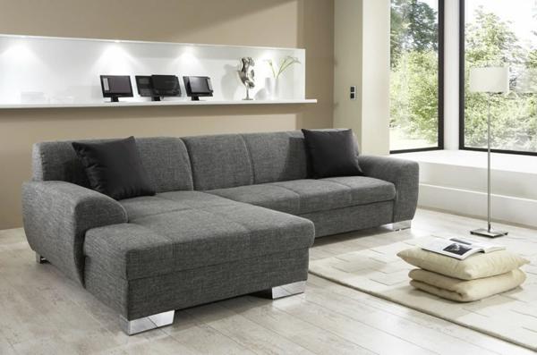 graues--sofa-mit-schlaffunktion-mit-wunderbarem-design