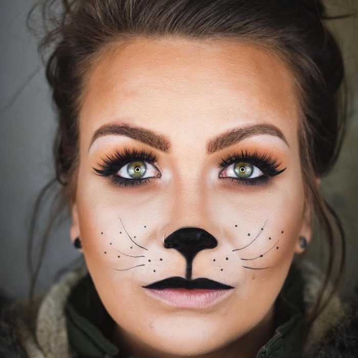 Idee für Halloween Make up, Nase und Oberlippe schwarz ausmalen, Schnurrhaare und Punkte malen