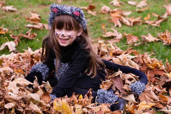Katze Kostüm für Halloween, Kostüme für Kinder, Schnurrhaare und Katzennase malen