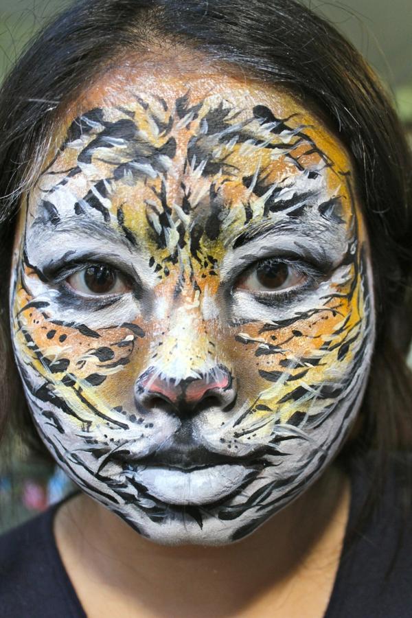 halloween-tiger-schminken