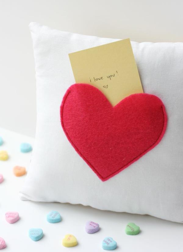 ideen-zum-valentinstag-herz-deko-schöne-ideen-kissen