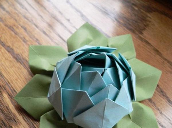 origami-wasserlilie-in-grün-blau