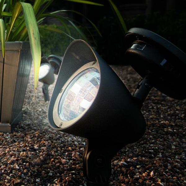 inspierierende solarleuchten f r garten. Black Bedroom Furniture Sets. Home Design Ideas