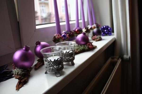 in-violet-gestaltete-fensterbank