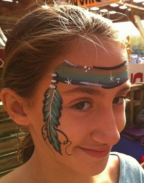 indianer-schminken-ein-junges-mädchen-sieht-sehr-interessant-aus