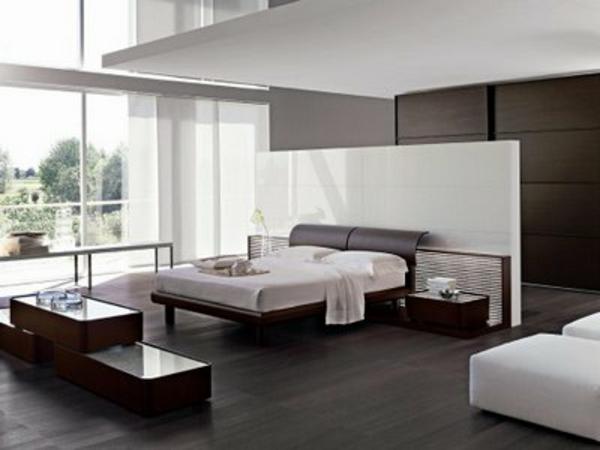 italienische-schlafzimmer-eine-schöne-weiße-trennwand