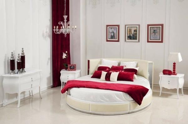 italienische-schlafzimmer-rote-akzente