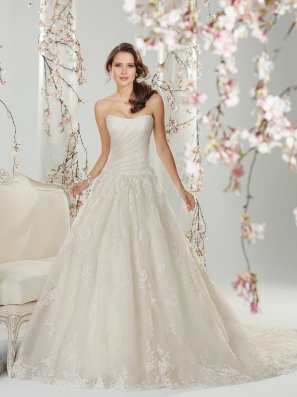 Ziemlich Weiße Kleider Für Eine Hochzeit Galerie - Brautkleider ...