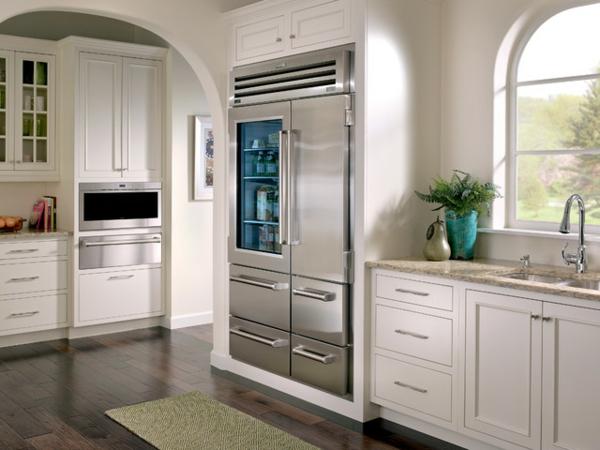 küchengestaltung-kühlschrank-mit-glastür