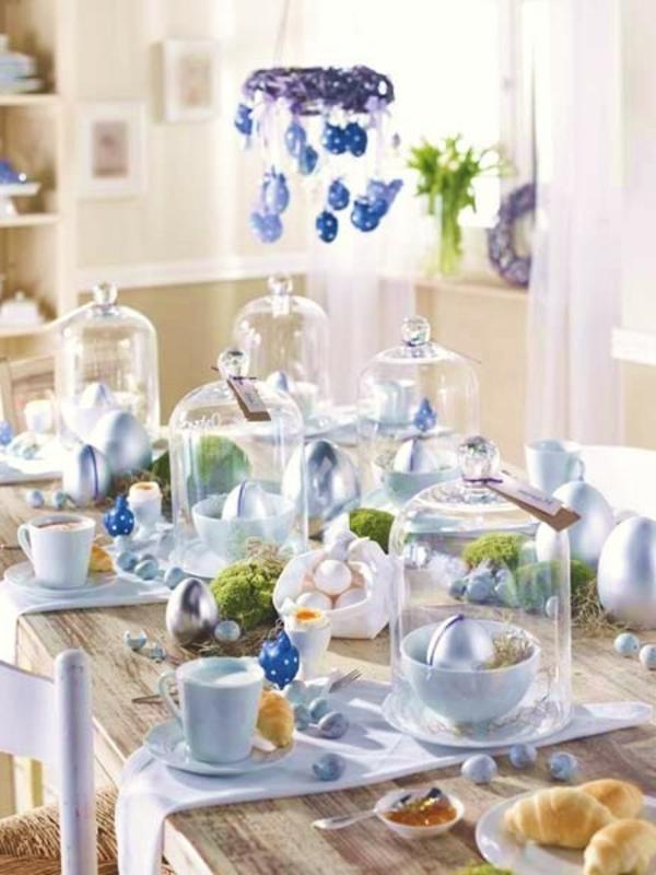 tisch-dekoration-blau-violett-glas-elemente-schick-pompös-edel