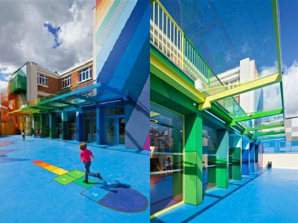 kindergarten-mit-regenbogen-motiven-interessante-und-frisch-aussehende-fassade-in-vielen-farben-zwei-bilder-gezeigt