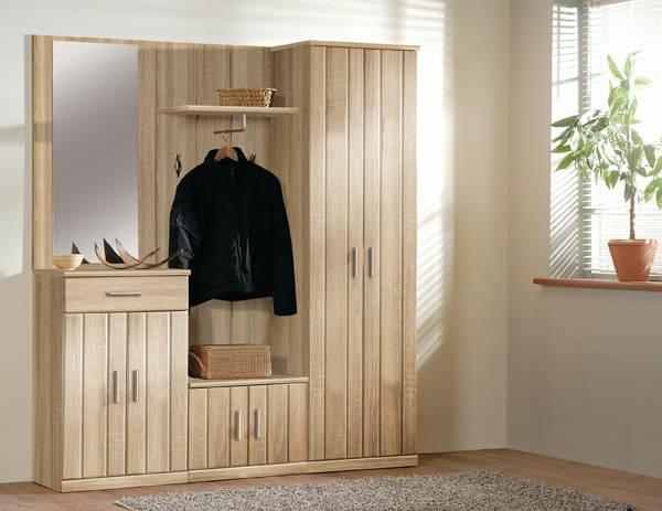 kleiderschrank-holz-interior-design-idee-flur-einrichten