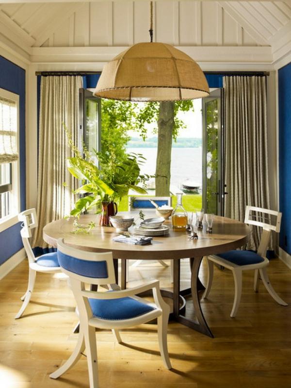 Perfekt Kleine Räume Einrichten Ein Sehr Helles Esszimmer Mit