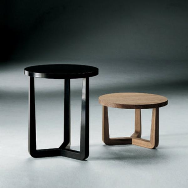 kleiner-tisch-zwei-moderne-designs-in-schwarz-und-weiß