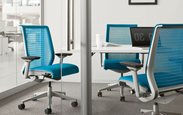 komfortable-Drehstühle-mit-modernem-Design-