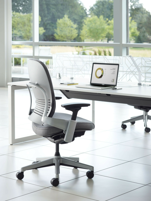 komfortable-Drehstühle-mit-modernem-Design-Bürostuhl-ergonomisch