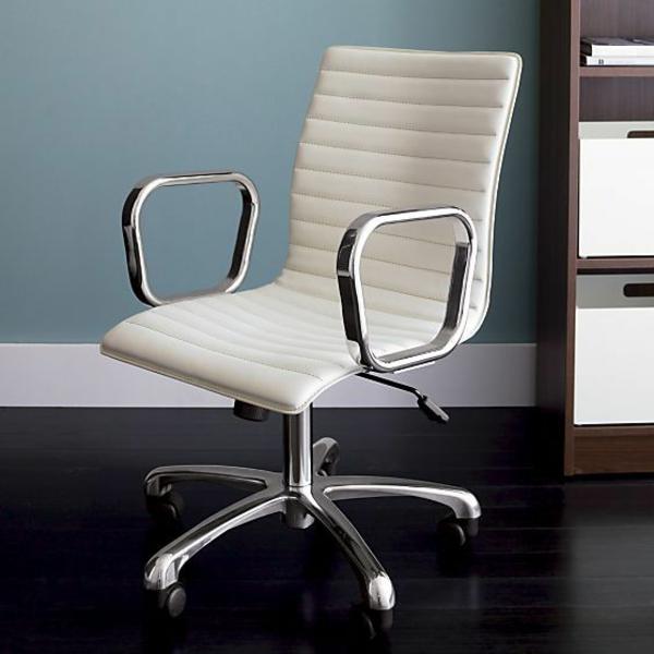 komfortabler-Drehstuhl-mit-modernem-Design
