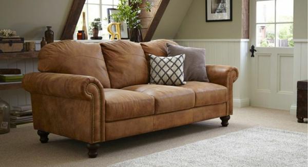 -komfortables-sofa-aus-leder-für-das-wohnzimmer-
