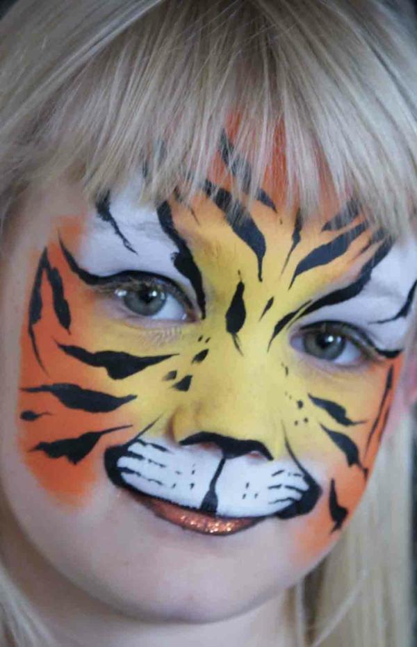 tiger make up - ein sehr süßes kleines kind