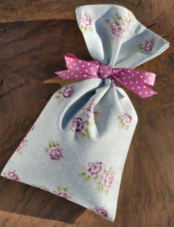 lavendelsack-rosen-puenktchenband-klein