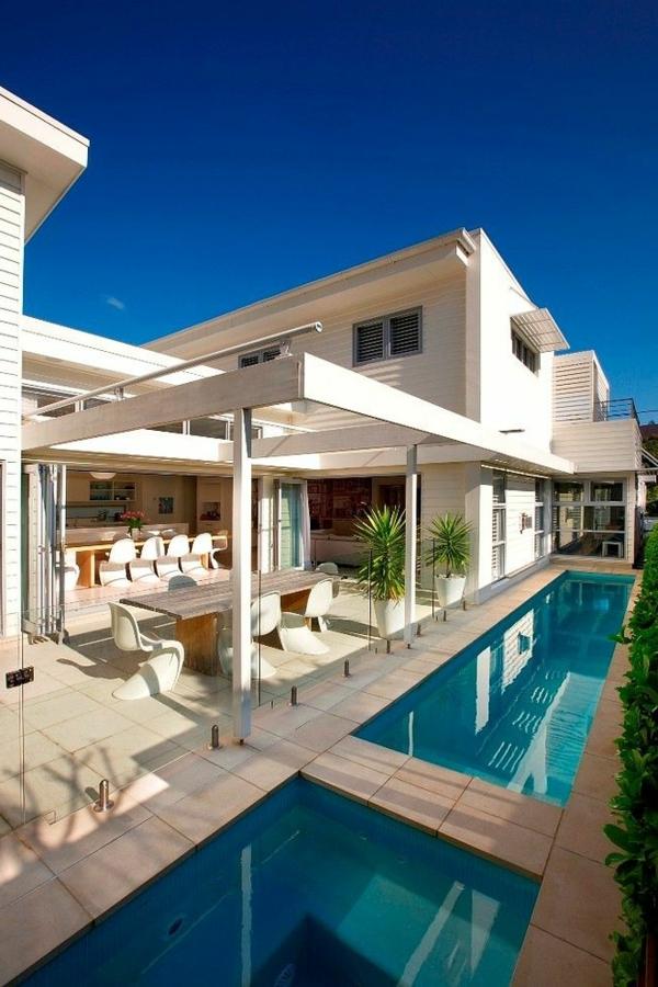 luxus-ferienhaus-mit-erstaunlichem-design-weißes-haus-luxus-ferienhaus