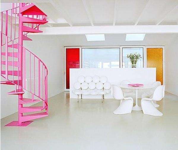 moderne-Innenarchitektur-effektvolles-Design-für-eine-Spindeltreppe-in-Rosa