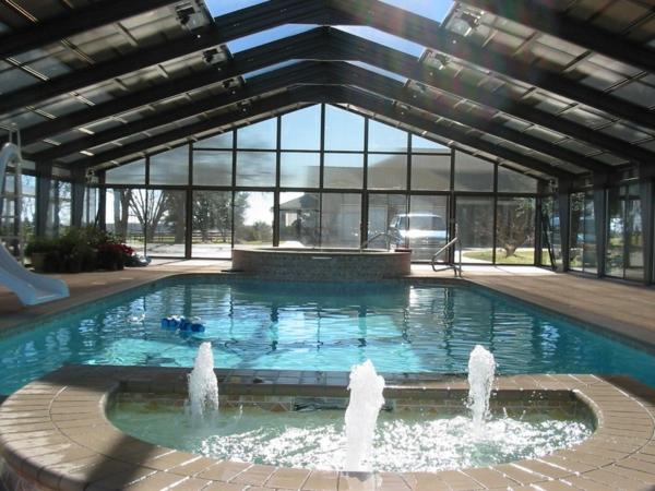 moderne-elegante--Poolüberdachungen-mit-schönem-Design-