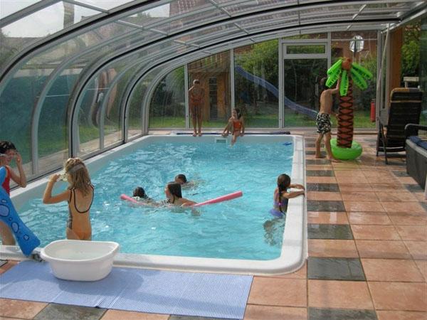 moderne-elegante-Poolüberdachungen-mit-schönem-Design--