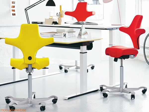 moderner-ergonomischer-arbeitsplatz-schreibtischstühle-design