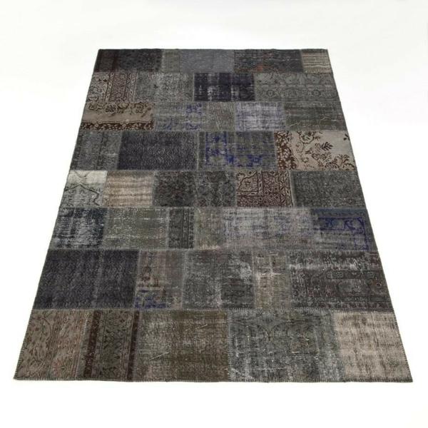 schwarz-grau-brauner-teppich