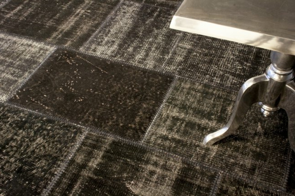 braun-dunkel-teppich
