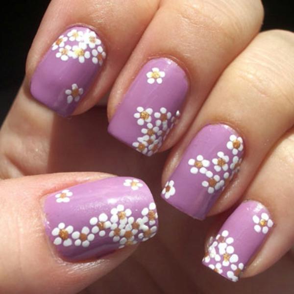 nageldesign-zum-frühling-lila-farbschemen