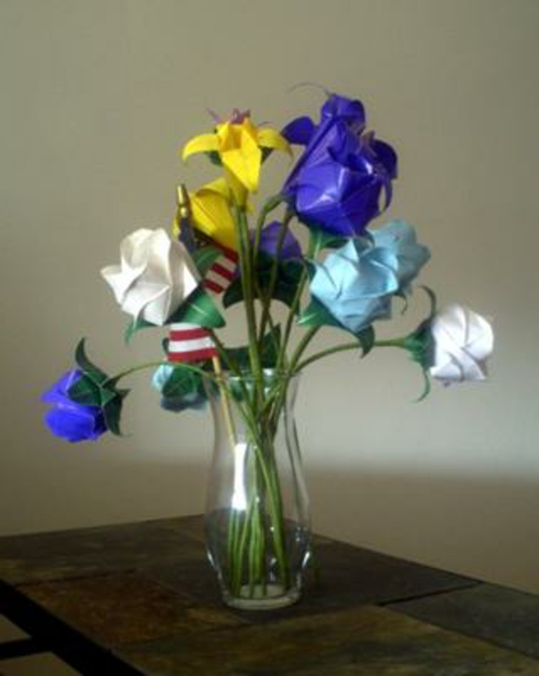 origami-blumen-vase-rosen