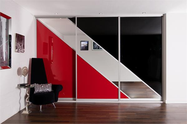 origineller-Kleiderschrank-mit-Schiebetüren-schöne-Ideen-für-Interior-Design