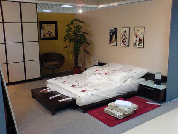 pflanzen-im-schlafzimmer-neben-einem-ultramodernen-bett