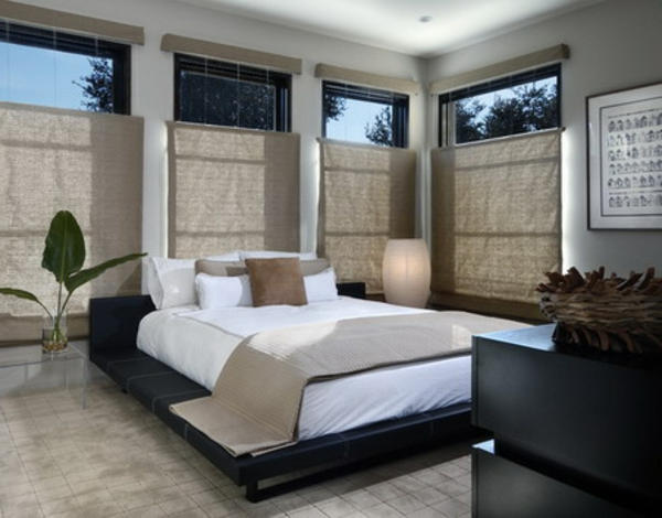 pflanzen-im-schlafzimmer-und-coole-taupe-jalousien