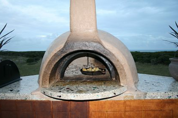moderne außengestaltung - stein-pizzaofen