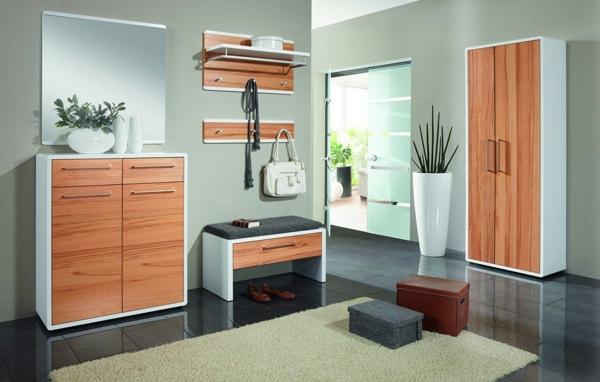 praktische-und-effektvolle_Dielenmöbel-mit-schönem-Design-Dielenschrank