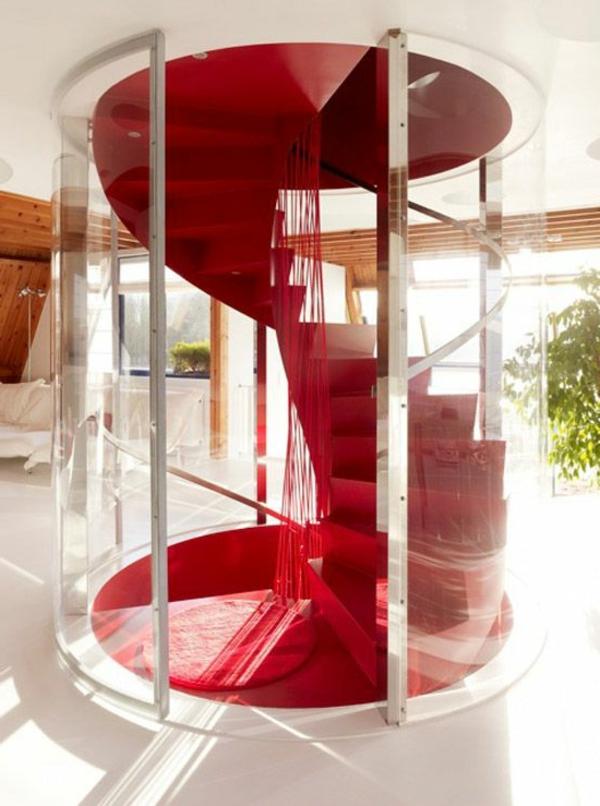 rote-Spindeltreppe-mit-einem-erstaunlichen-Design