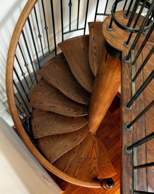 schöne-hölzerne-Innentreppe-Interior-Design-Ideen